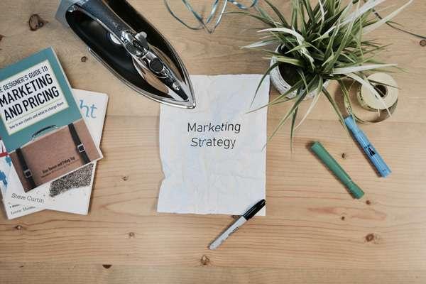Immagine corso Siamo tutti commerciali: 5 passi per investigare, conquistare, gestire, fidelizzare i clienti…anche quando non abbiamo il cappello delle vendite
